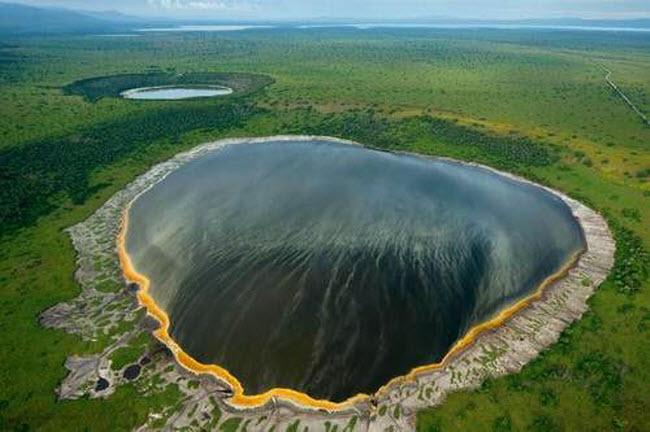 Điêu đứng trước vẻ đẹp 10 hồ núi lửa đẹp ngất ngây - 1