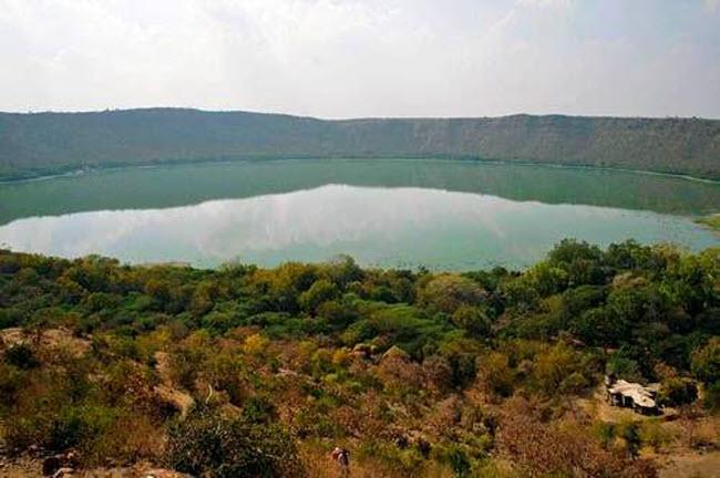 Điêu đứng trước vẻ đẹp 10 hồ núi lửa đẹp ngất ngây - 3