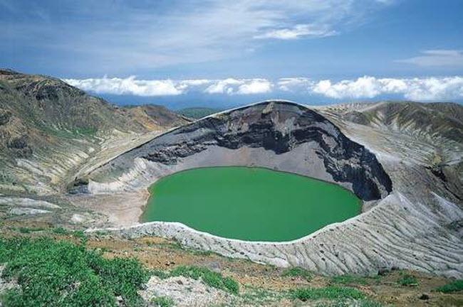 Điêu đứng trước vẻ đẹp 10 hồ núi lửa đẹp ngất ngây - 6