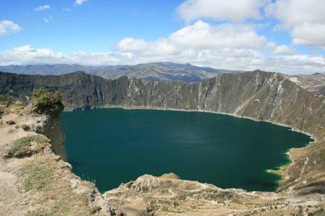 Điêu đứng trước vẻ đẹp 10 hồ núi lửa đẹp ngất ngây - 9