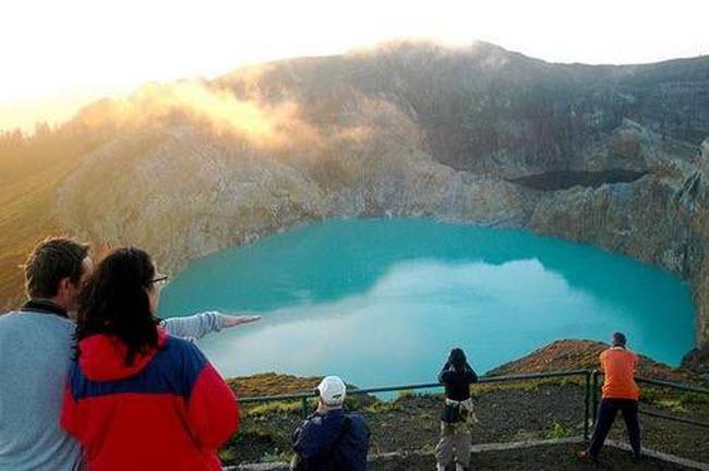 Điêu đứng trước vẻ đẹp 10 hồ núi lửa đẹp ngất ngây - 10