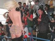 Thời trang - Những lần sao xấu hổ muốn độn thổ vì váy áo tại Cannes