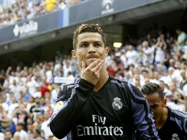 Ronaldo 25 bàn/mùa: Hy sinh cái TÔI để ẵm Cúp và Bóng vàng - 3