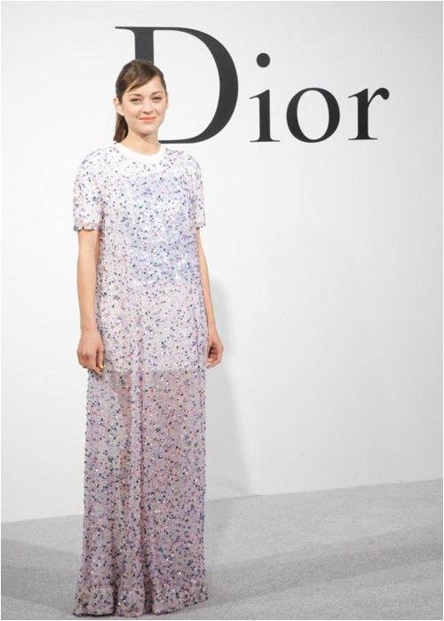 Người tình tin đồn của Brad Pitt bị Dior sa thải vì già và mập? - 9