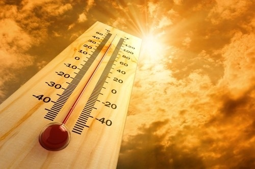 10 bí quyết chống nóng khi ra ngoài dưới thời tiết 40 độ C - 1