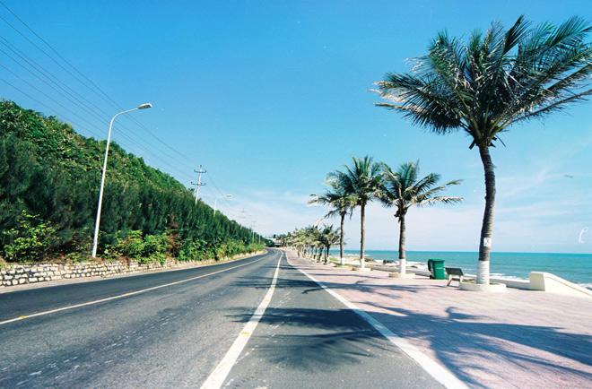 Phượt trên 5 cung đường ven biển đẹp mê ly ở Việt Nam-4