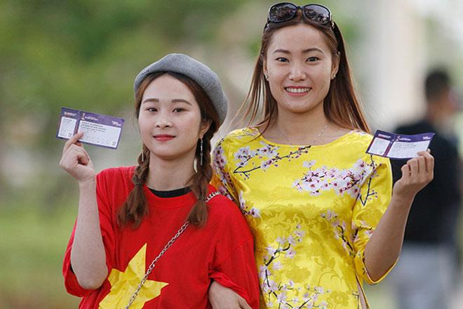 """""""Tiếp lửa"""" U20 Việt Nam: Vạn anh em ở Hàn Quốc phủ đỏ sân Cheonan - 3"""