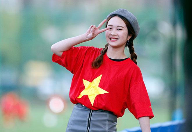 """""""Tiếp lửa"""" U20 Việt Nam: Vạn anh em ở Hàn Quốc phủ đỏ sân Cheonan - 4"""