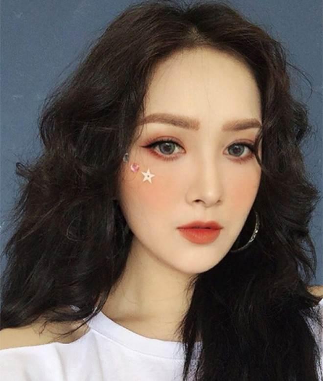 Sao Việt mê mẩn kiểu makeup đính kim tuyến lấp lánh - 2