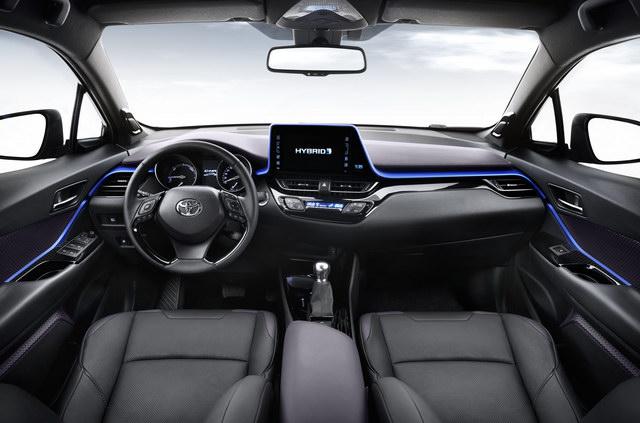Toyota C-HR giá 514 triệu đồng khiến dân Nhật thèm khát - 3