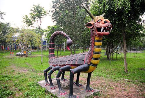 """Khu vườn toàn """"quái thú"""" độc, lạ và dị nhất Việt Nam - 3"""