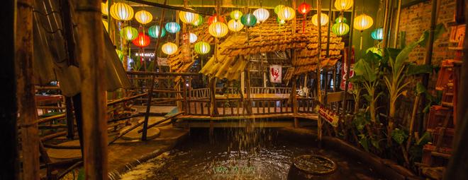 Kiệt tác khu ẩm thực 'ven sông' đẹp mê hồn giữa trung tâm Hà Nội - 1