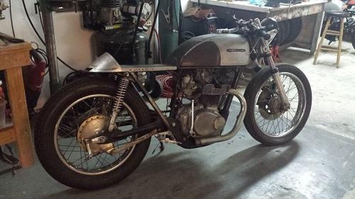 """Honda CB500T 1975 """"lột xác"""" dưới bàn tay """"phù thủy"""" - 2"""