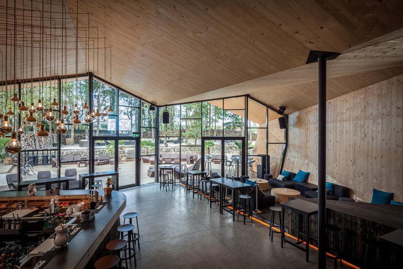Nhà hàng gây sốt vì kiến trúc góc cạnh độc đáo - 6