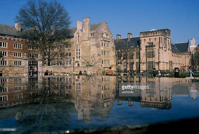 Thành lập năm 1701 ở Khu định cư Connecticut, Yale là một trong những viện đại học lâu đời nhất ở Hoa Kỳ, chỉ sau Trường Đại học Harvard (1636) và Trường Đại học William  & amp; Mary (1693).