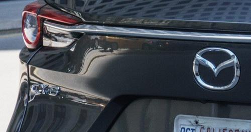 Những hình ảnh đầu tiên của Mazda CX-8 tại Mỹ - 2