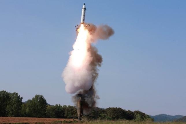 Triều Tiên tuyên bố sẵn sàng sản xuất tên lửa hàng loạt - 1