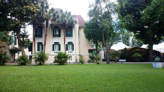 """""""Khu vườn bí mật"""" trong Đại sứ quán Pháp ở Hà Nội - 1"""