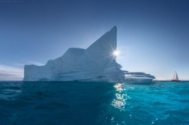 Daniil Korzhnov là một giáo viên môn vật lý, nhưng ông có niềm đam mê khám phá những phong cảnh thiên nhiên đẹp nhất thế giới. Điểm đến lần này là xứ sở lạnh giá Greenland.