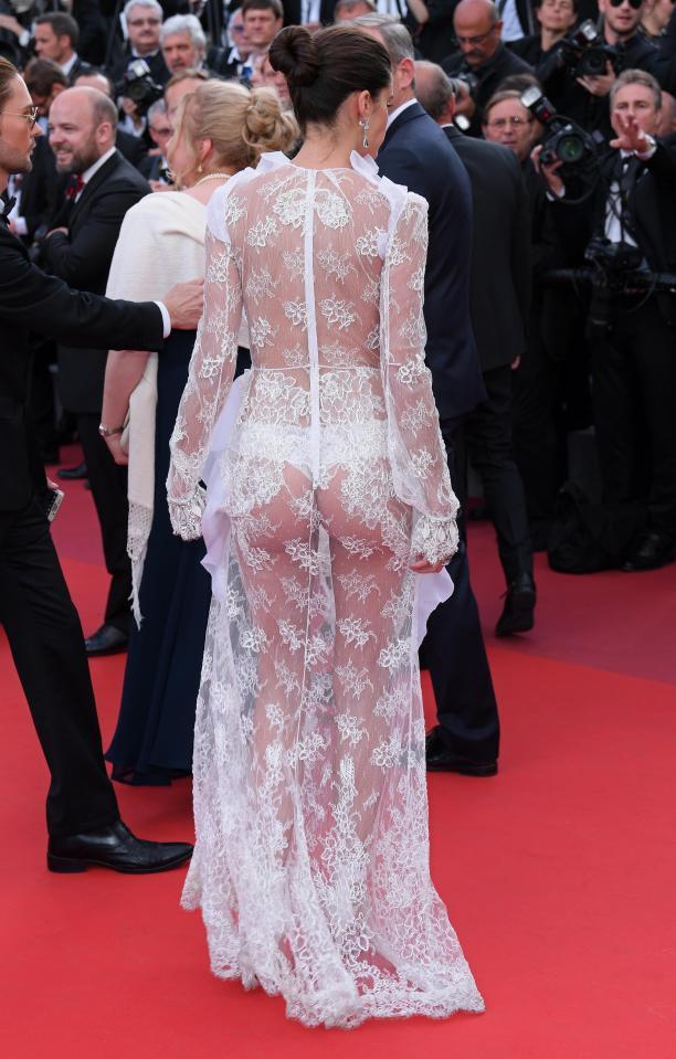 """Thiên thần nội y """"mặc như không"""" đến Cannes, lộ 80% cơ thể - 3"""