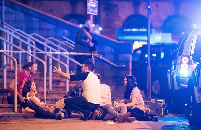19 người chết bởi vụ nổ bom tại đêm nhạc: Nữ danh ca đau xót lên tiếng - 4