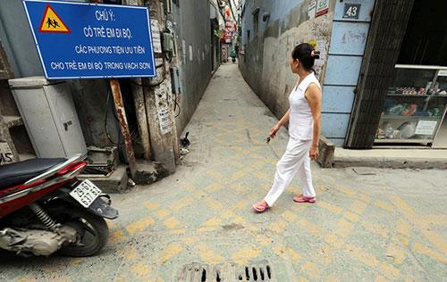 Tiết lộ bất ngờ vụ đường dành riêng cho trẻ bị xoá ở Hà Nội - 1