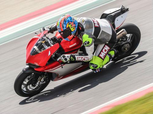 """Ducati 1299 Superleggera giá 2,1 tỷ đồng """"cháy"""" hàng - 2"""