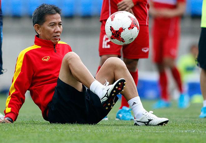 U20 VN: Sao trẻ nhà bầu Đức so tài tâng bóng HLV Hoàng Anh Tuấn - 12