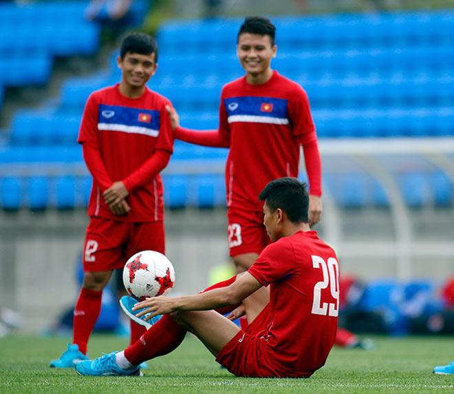 U20 VN: Sao trẻ nhà bầu Đức so tài tâng bóng HLV Hoàng Anh Tuấn - 8