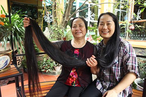 Chiêm ngưỡng mái tóc dài nhất Việt Nam, tỏa hương kỳ lạ - 1