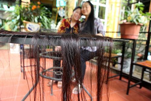 Chiêm ngưỡng mái tóc dài nhất Việt Nam, tỏa hương kỳ lạ - 3