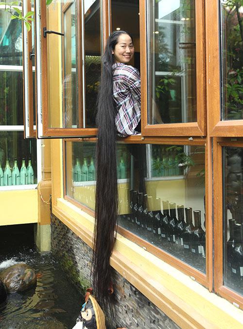 Chiêm ngưỡng mái tóc dài nhất Việt Nam, tỏa hương kỳ lạ - 10