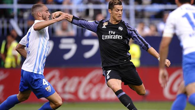 """Sốc: Malaga bị tố """"thả cửa"""" Ronaldo, giúp Real vô địch"""