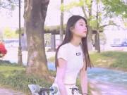 """Bạn trẻ - Cuộc sống - Ngẩn ngơ trước vẻ gợi cảm của """"nữ thần"""" trượt ván Hàn Quốc"""