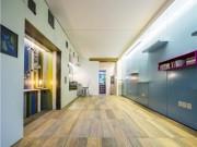 Giấu nội thất dưới sàn, căn hộ 30m2 trở nên  thênh thang  khó tin