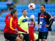 Bóng đá - U20 VN: Sao trẻ nhà bầu Đức so tài tâng bóng HLV Hoàng Anh Tuấn