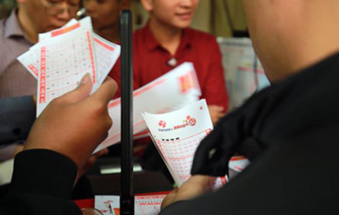 """Người chơi hùn tiền mua vé """"đón"""" jackpot trên 100 tỉ, Vietlott nói gì? - 3"""