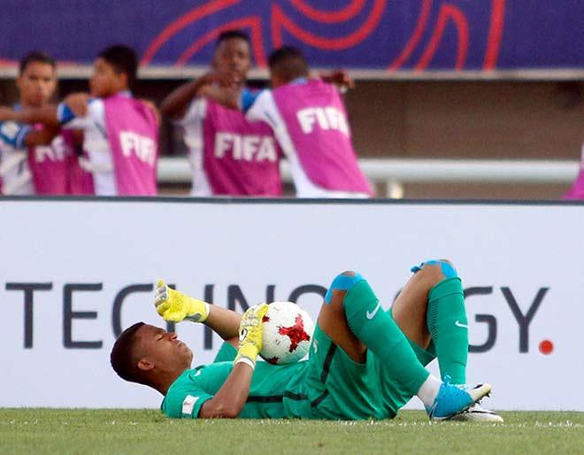 """U20 Việt Nam """"cắn răng"""" đá U20 Pháp: Sao trẻ 165 tỷ đồng vắng mặt - 1"""