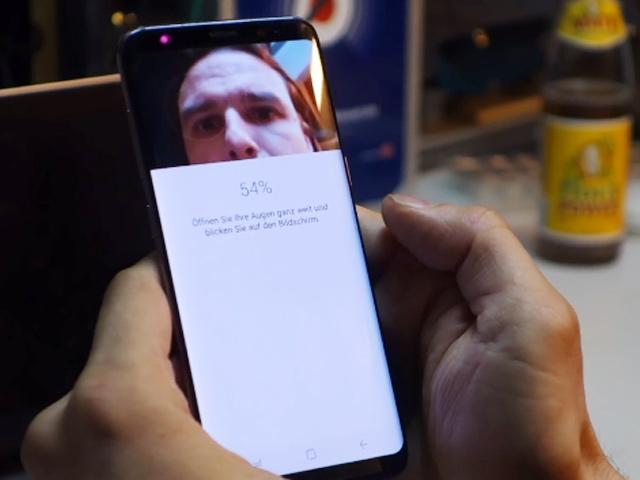Bảo mật mống mắt trên Galaxy S8 bị