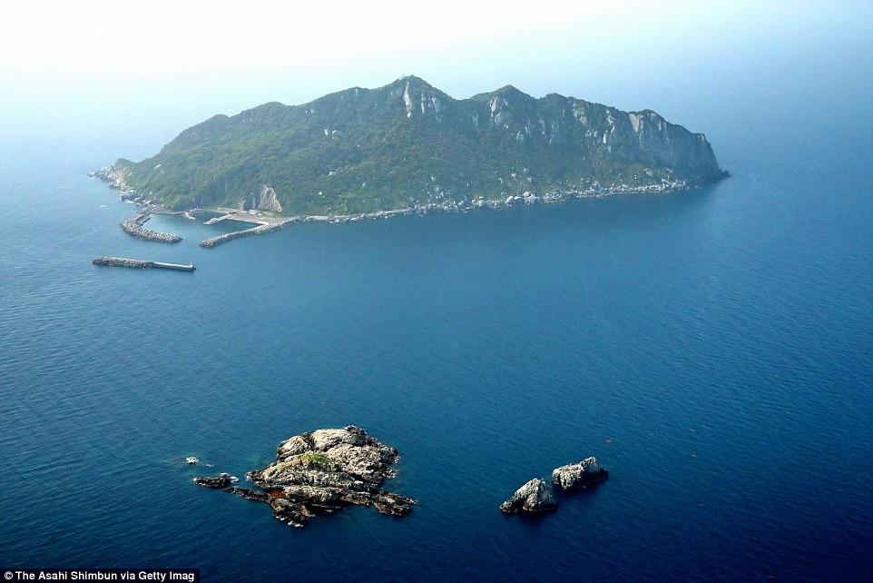 Hòn đảo kỳ lạ, chỉ đón tiếp đàn ông và cấm tiệt phụ nữ đặt chân đến - 2