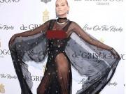 """Thời trang - Kiều nữ """"lộ liễu"""" ở Cannes vì mặc ngắn, mỏng như sương"""