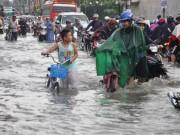 Tin tức trong ngày - Mưa 1 giờ, đường Sài Gòn như mùa nước lũ miền Trung