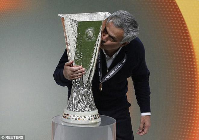 MU trở lại cúp C1: Nguy cơ đụng Real - Bayern, rơi bảng tử thần - 1