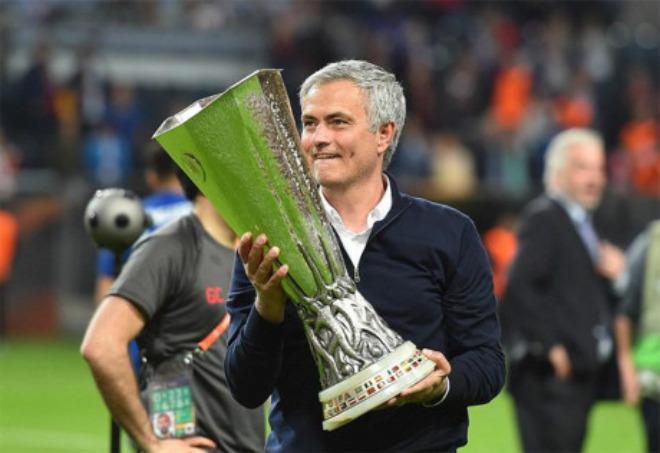 """MU vô địch Europa League, trở lại cúp 1: Top 4 là muỗi với """"ăn ba"""" - 2"""