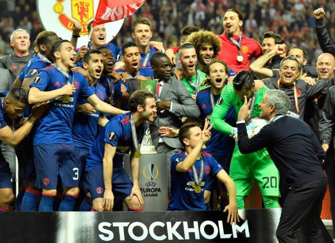 """MU vô địch Europa League, trở lại cúp 1: Top 4 là muỗi với """"ăn ba"""" - 1"""