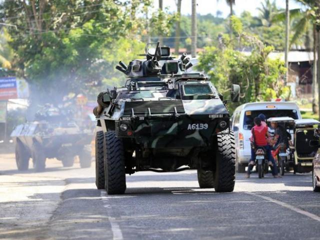 IS chặt đầu cảnh sát Philippines: Đang giao tranh ác liệt