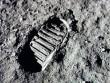 Ai sẽ bỏ ra hơn 90 tỷ đồng để mua túi bụi mặt trăng?