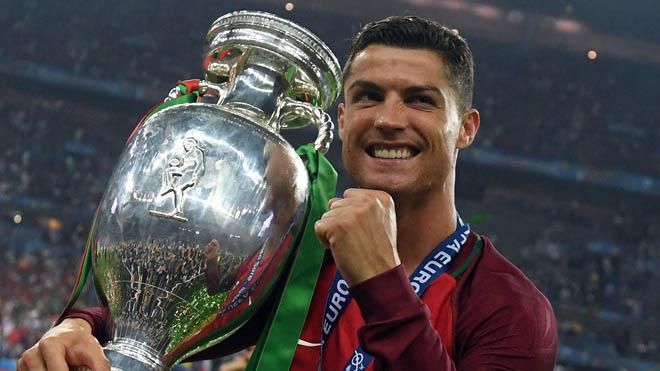 """Dự Confed Cup, Ronaldo đánh liều với """"đôi chân Vàng"""" - 1"""