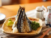 """Cá thu nướng muối ăn với cơm chỉ có  """" thủng nồi trồi rế """""""