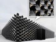 Tài chính - Bất động sản - ĐỘC: Gắn 900 ghế nhựa để trang trí tường nhà